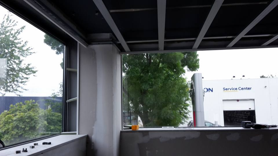 Aménagement d'un bureau : plafond, murs
